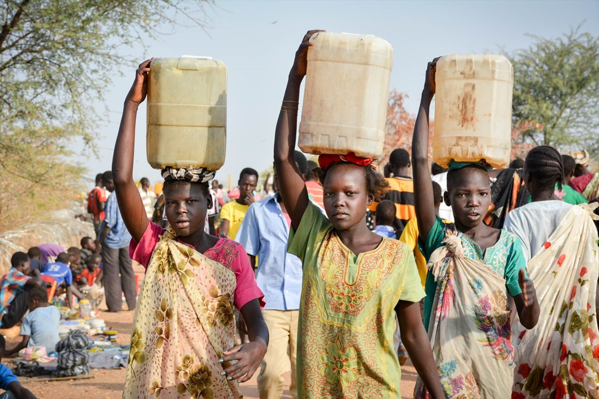 Collecting water in South Sudan